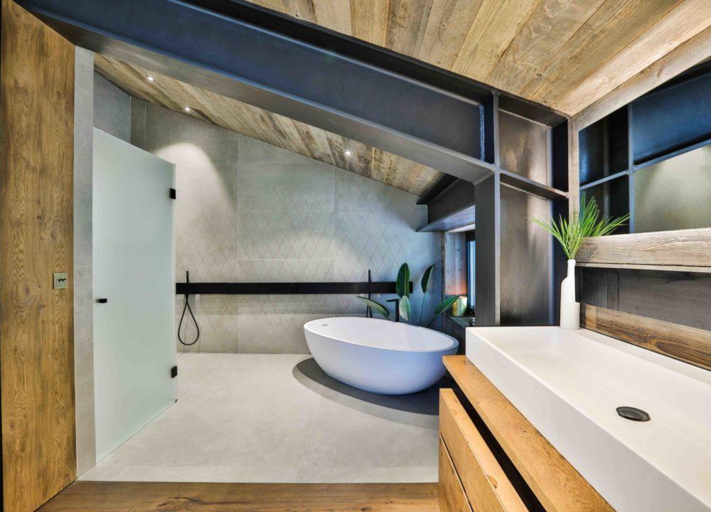 Salle de bains - chalet haut-standing à Chamonix